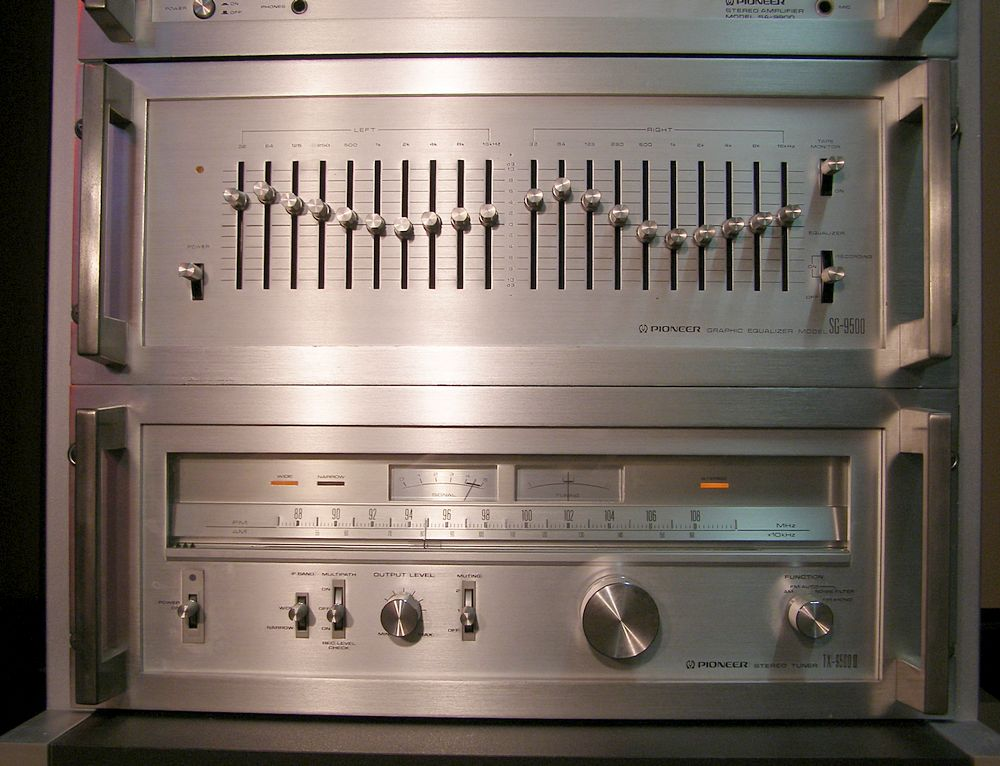 Vintage Pioneer Silver Face Rack System